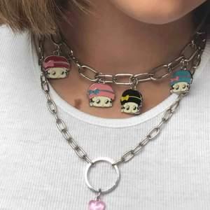 gulligt halband med ett rosa hjärta på <3 har gjort det själv ;)