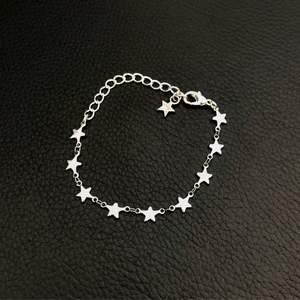 Handgjort Stjärnarmband i rostfri metall☺️finns även i guld🌟 12kr frakt✨ Skicka iväg ett meddelande vid intresse❤️