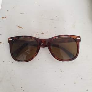 Solglasögon köpt från Beyond Retro. Kan skickas annars finns i Malmö💫 frakt 20kr 💌 #beyondretro #solglasögon #sunglasses