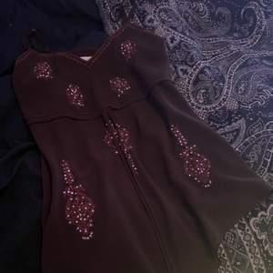 Brunt fint linne som köptes på secondhand😊sitter superbra på mig som har st XS/S💖