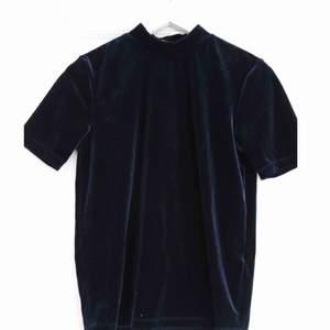 Köpt på vila, använd endast en gång. (Marinblå färg)  Frakt tillkommer!