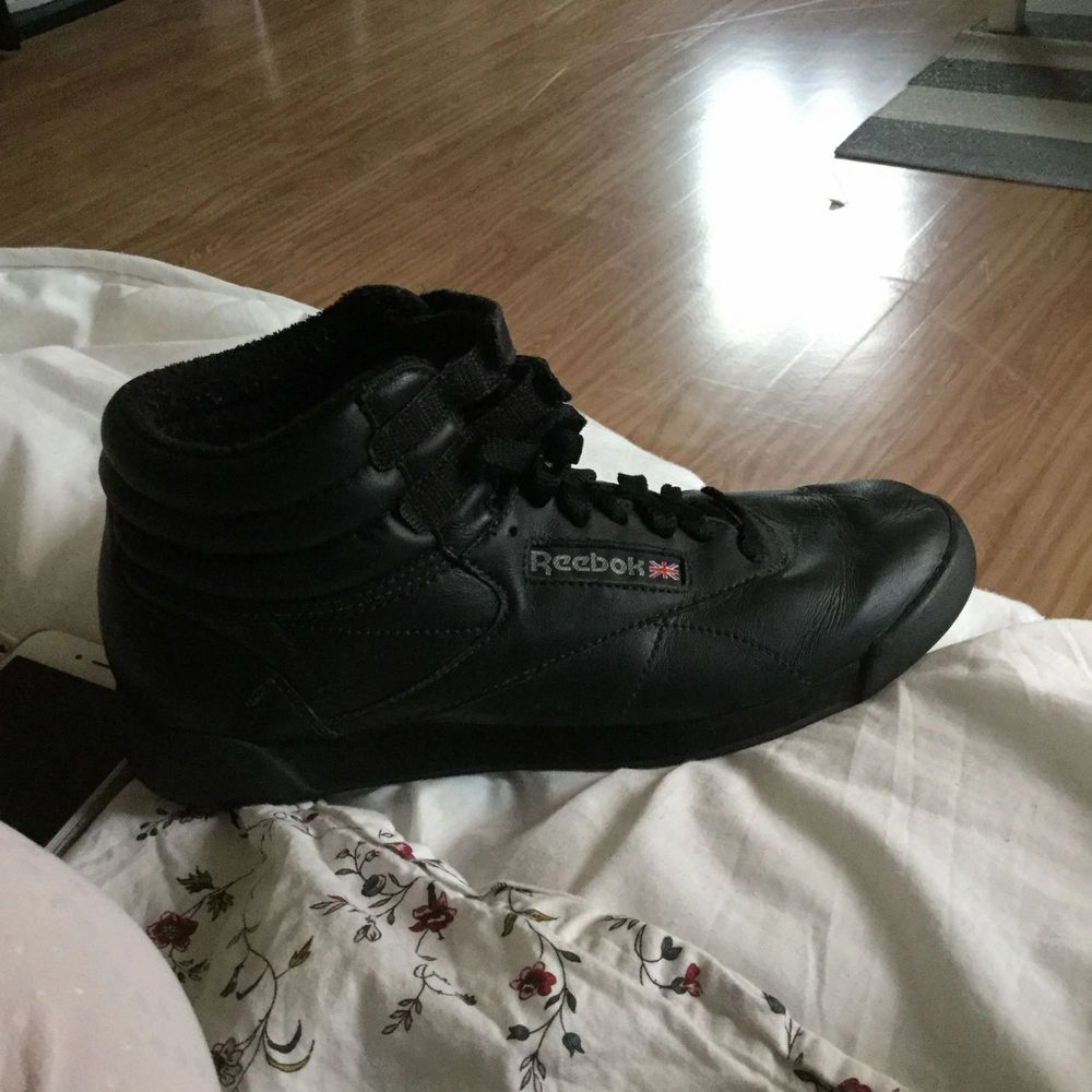 Nya Reebok skor använda jätte lite. Nyköpta för 599kr. Skor.
