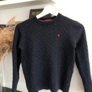 Morris tröja, i fint skick, köparen står för frakt📦 ordinarie pris 1400kr