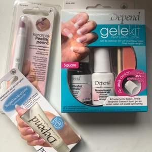 Olika produkter för naglarna. Ett kitt med saker så man kan göra gel naglar själv, nagelbands kräm och en peeling penna. Allt oöppnat och oanvänt. Allt för 70kr eller köp det separat. Frakt 44kr