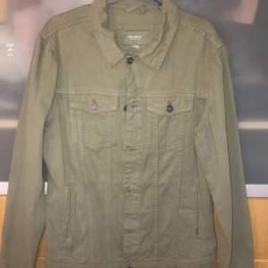 grönaktig jeans jacka båda till tjej och kill modell buda gärna
