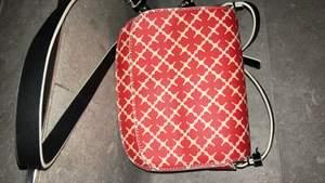 En jätte fräsch och knappt använd Malene Birger väska! Det tillkommer ett axelband. Pris kan diskuteras