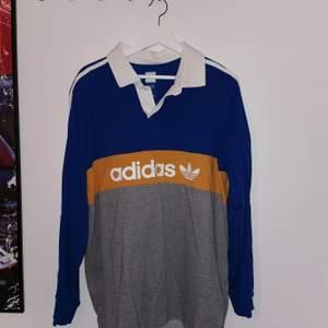 Säljer en rugbytröja av Adidas i stl XL som jag inte använder längre. Använt ett litet tag men är i jätte bra skick. Skriv om intresserad :)