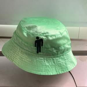 Blohsh inside out bucket hat. Köpt i Stockholm Billie Eilish pop up store. Hatten är i bra skick!
