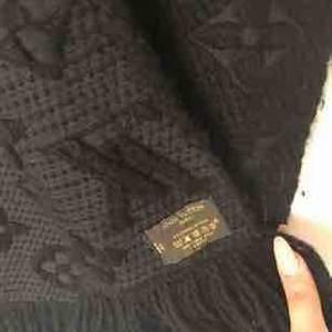Fake Louise Vuitton sjal