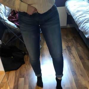 Äkta Levis jeans, super fint skick. Knappt använda