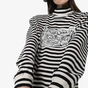 Intressekoll på min fina tröja från Eytys i modellen Compton som tyvärr aldrig kommer t användning. Nypris var 1200kr