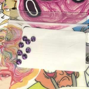Lila och svart mönstrade piercingkulor. Säljer för 5kr/st + 11kr frakt:) Tjocklek: 1.2mm || Diameter: 3mm