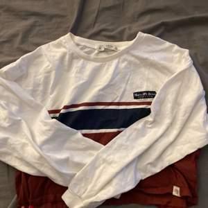 En superfin tröja från pull & bear , lite kortare modell strl M