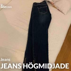 Jeans högmidjade