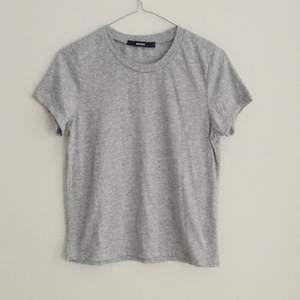T-shirt från Bikbok i strl S.