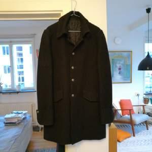 Stilig ullrock från Nudie Jeans. smal herrmodell i storlek lagre, så den är som en m/l