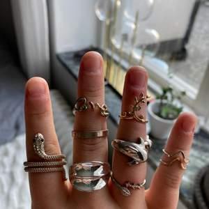 Jättefina ringer köpta lite här och var som jag nu kommer sälja. Skriv till mig om intresse av ringarna. Olika pris✨