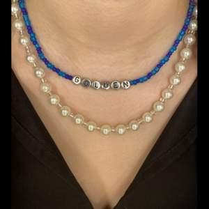 Hej, jag säljer handgjorda halsband i bra kvalite och för ett bra pis. Golfen halsband 120kr och vanliga pärlhalsband 99kr. Gratis frakt 🐷