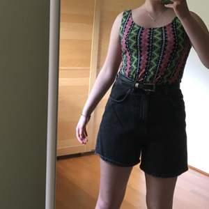 Fint linne med cool pattern ⚡️ Frakt ingår :)
