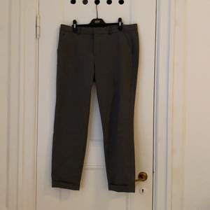 Twist & Tango. LOVE these pants. So sad they don't fit anymore!! Heavier material. Perfect for fall. Free delivery within Stockholm. Payment by Swish.