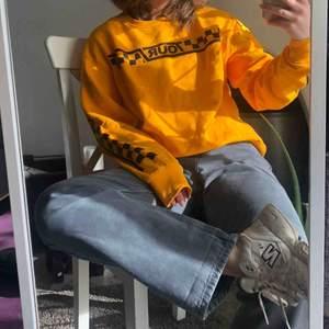 Fet sweatshirt från Justin biebers tour kolektion med H&M  Oversized i storlek M  Frakt tillkommer