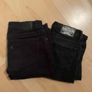 ett par levi's bootcut & ett par lågmidjade crocker bootcut jeans, båda i stl 25/32. använda men bra skick! 100kr st