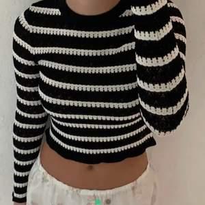 Säljer en helt ny oanvänd tröja från Zara, med lappen kvar så endast testad.