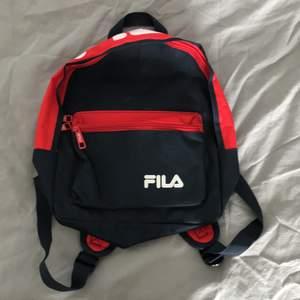 Mini fila ryggsäck som endast använt 3-4 gånger