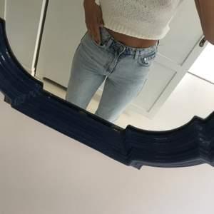 Jeans från weekday, aldrig använda. Modellen rowe, har vanligtvis 38 i Jeans och är 170 lång.