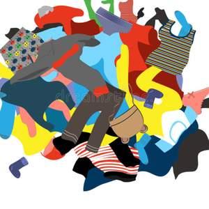 Rensat garderoben på kläder. Säljer en hel del olika saker, även ett par skor och märkeskläder som träning eller vardag😀 Vid intresse av vad som helst kontakta och berätta vad ni söker så ser vi om det finns och så kommer jag med storlek och ett bra pris