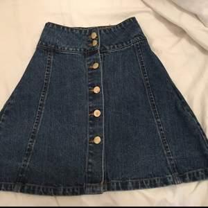 Jeans kjol från Bik bok, SÄLJS BILLIGARE VID SNABBKÖP
