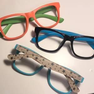 Fina glasögon utan glas med stjärnor glasögonbågar. 20kr ett par + Frakt 11