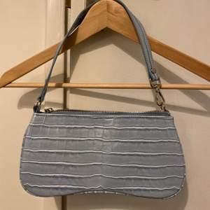 Blå väska, aldrig använd