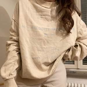 Fabriksurtvättd Collusion tröja 💙🤍