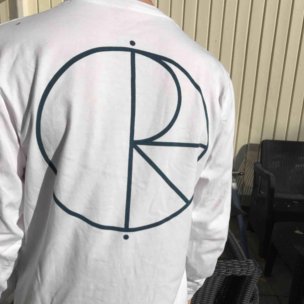 Polar Skate Co longsleeve i Small Mycket bra skick. T-shirts.