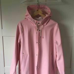 Stutterheim pale pink  XS  Endast används ett par gånger, för liten för mig  Posten + 80kr