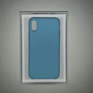 Jättefint blått iphone X/XS skal som är helt nytt. Säljer pga betsällde fel modell till mig (hehe). Frakt ingår i priset. Skriv till mig om du är intresserad för mer detaljer!!😁💙