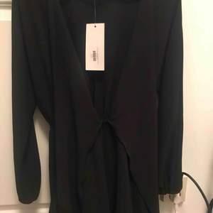 chiquelle klänning helt ny,köpt för 600kr
