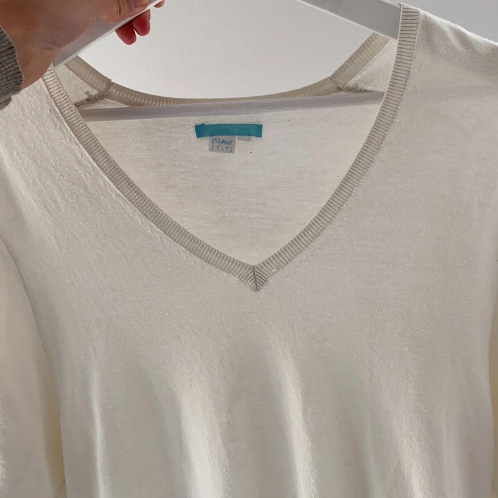Mjuk och fin esprit tröja i super material! . T-shirts.