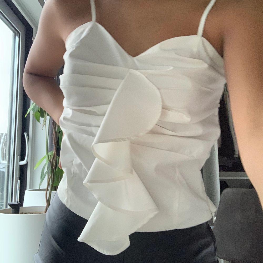 Jättefint linne som kommer ifrån en affär i Cypern!💕💖 det passar en Xs💙💕❤️ Bra skick och fin kvalite💞💞. Toppar.