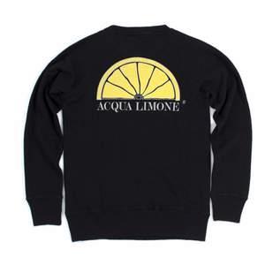 Acqua Limone tröja, andvänd ca 5 gånger, som i nyskick, köpt för 1100, säljer för 650 kr + frakt, storlek XS men passar S och M också