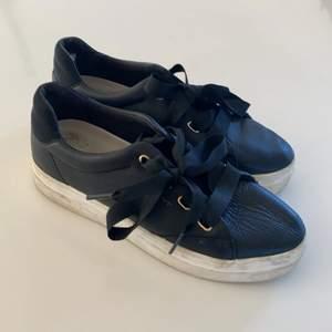 Super fina sommar sneakers från gant. Använda några gånger.