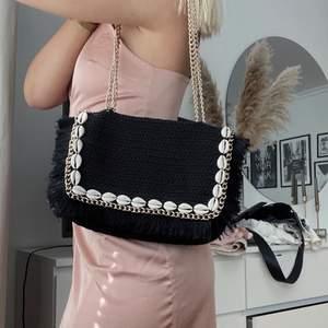Väska från Zara! använd lite grann men är i superfint skick! Köpare står för frakt🌸