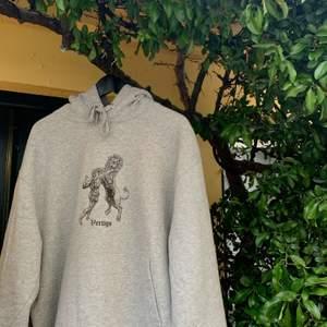 """Vertigolabel är ett nystartat klädmärke och har släppt sin första hoodie """"The Vertigo"""". Följ på insta (vertigolabel) för att få en chans att köpa"""