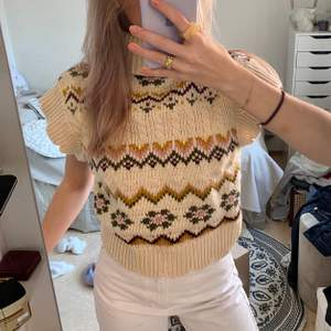 Super fin stickad tröja med hög krage🌼 Storlek S!⚡️