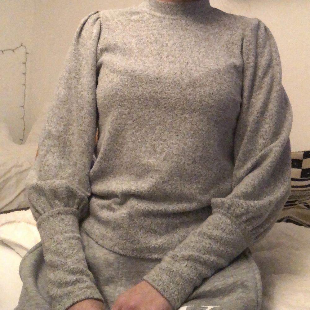 Sjukt fin tröja från Gina Tricot, i princip som ny! . Tröjor & Koftor.