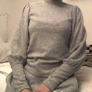 Sjukt fin tröja från Gina Tricot, i princip som ny!
