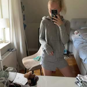 Zip hoodie från RalphLauren passar xxs/xs, mjukis shorts från bikbok passar xs/s🥰🥰