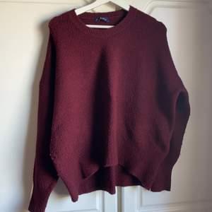 Vinröd stickad tröja Chiquelle