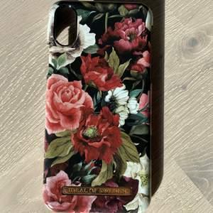 I princip oanvänt ideal of Sweden skal för iPhone X med magnet och med blommor på. Kan skicka och mötas upp i Gävle. Skicka om frågor😊💕 Ordinarie pris: 299kr